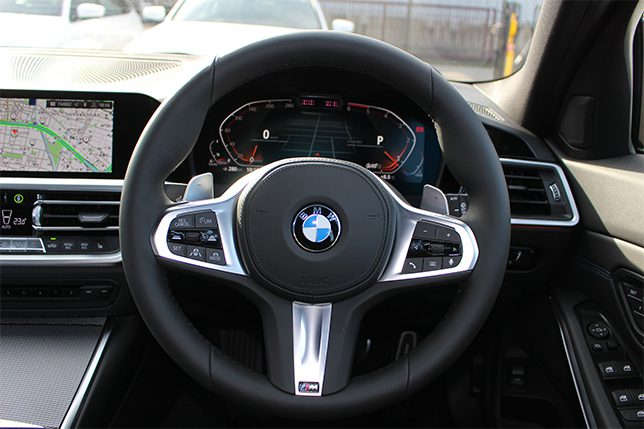 320d xDrive ツーリングMスポーツ