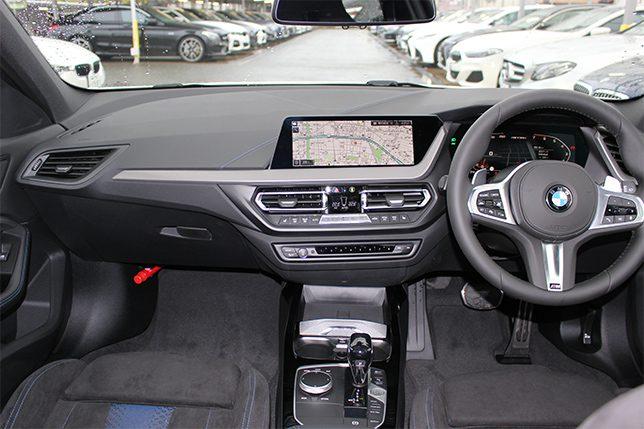 M135i xDriveデビューパッケージ