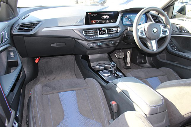M235i xDriveGran Coupe デビューパッケージ
