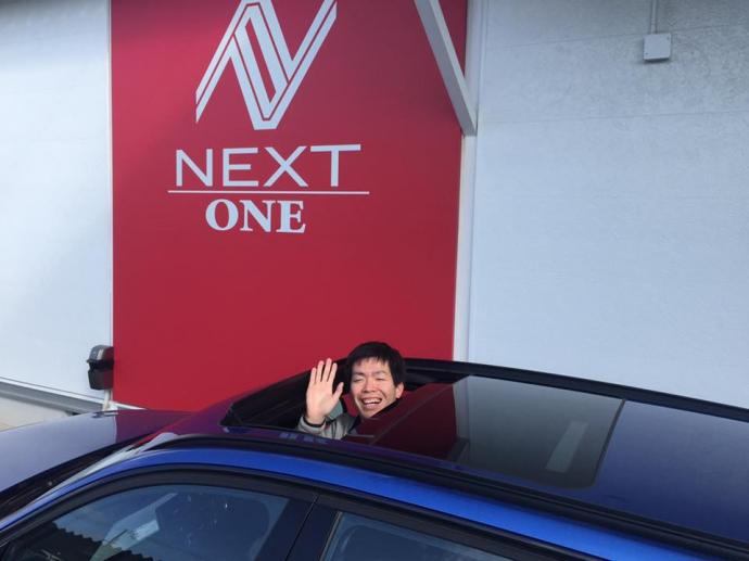 BMW320iツーリング新規入庫!